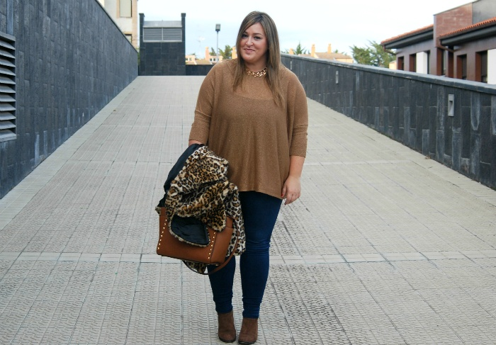 brown street style- plus size- fashion