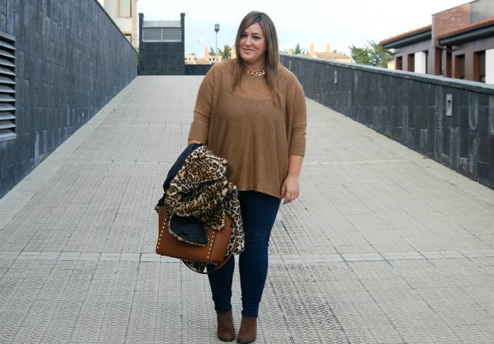 brown street style- plus size- fashion